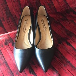 Shoes - Kitten heel pump